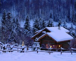 winter-snow-house-1